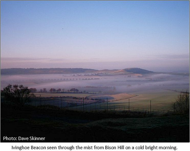 ivinghoe_beacon_through_the_mist
