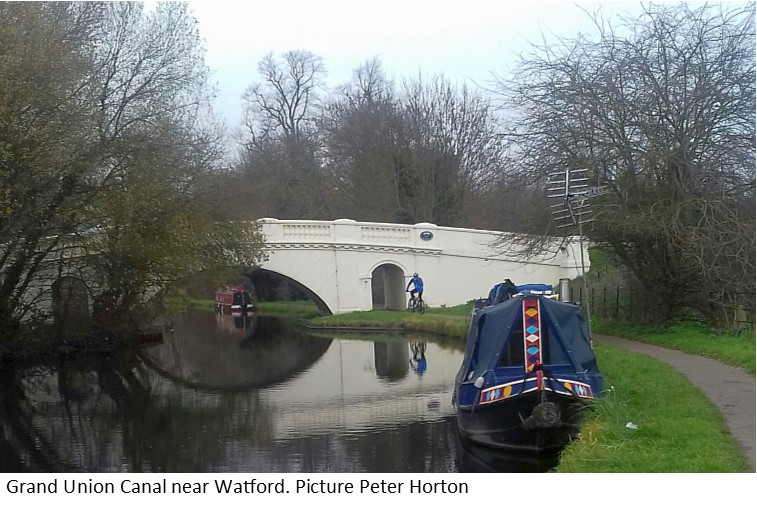 Grand Union Canal near Watford..jpg